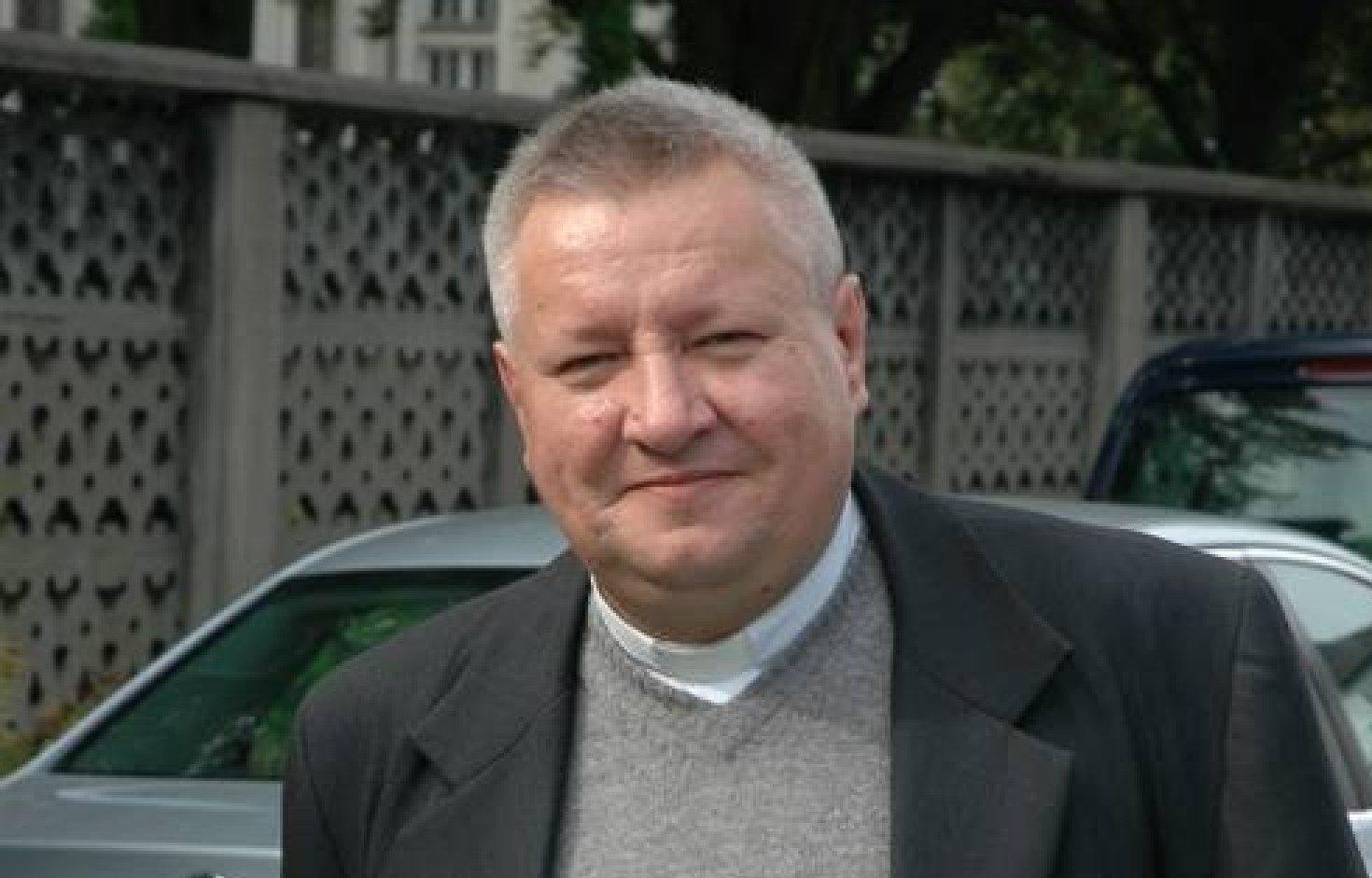 Moderator generalny biskupem!!